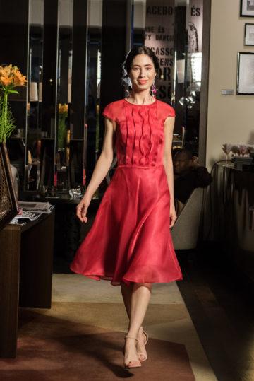 vörös ruha