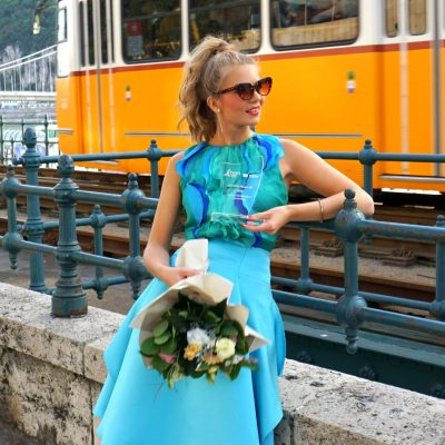 BLUE-GREEN FLAKED TOP WITH TURQUOISE SKIRT